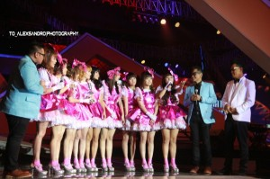 RYN CHIBI SCTV MUSIC AWARDS 2013 (3)