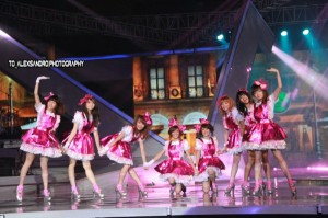 RYN CHIBI SCTV MUSIC AWARDS 2013 (4)