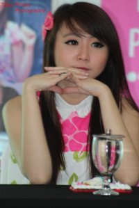 ryn chibi at signing novel crush (1)