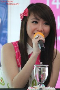 ryn chibi at signing novel crush (11)