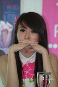 ryn chibi at signing novel crush (2)