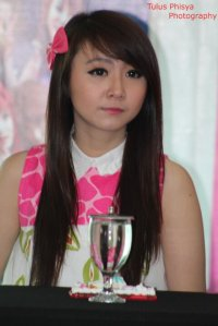 ryn chibi at signing novel crush (3)