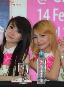 ryn chibi at signing novel crush (4)
