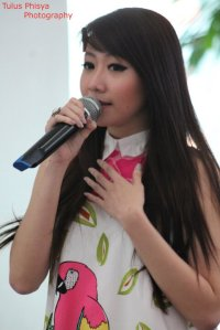ryn chibi at signing novel crush (8)