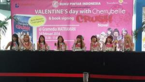 ryn chibi signing book Novel CRUSH 140214 (4)