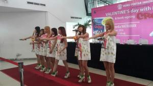 ryn chibi signing book Novel CRUSH 140214 (5)