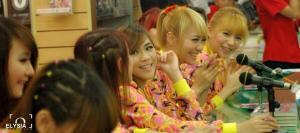 ryn chibi signing crush smg 230214 (15)