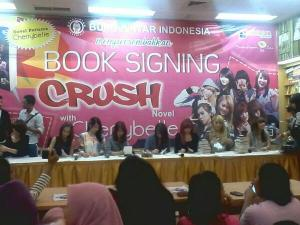 ryn chibi signing malang 280214 (4)